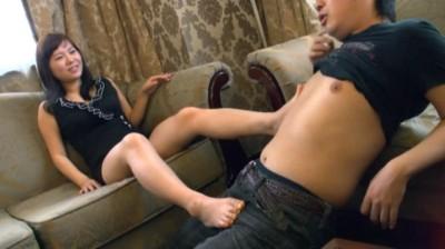 韓流素人女子たちのセンズリ鑑賞会 4時間 初めて男のセンズリを見た女子たちは勃起したチンコを見て欲情しオネダリしてきました!!! 8