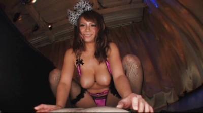 裸よりエロい過激衣装でチ○ポを挑発する巨乳痴女 3 9