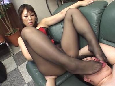 ドS熟女に責め続けられたM男 4 6