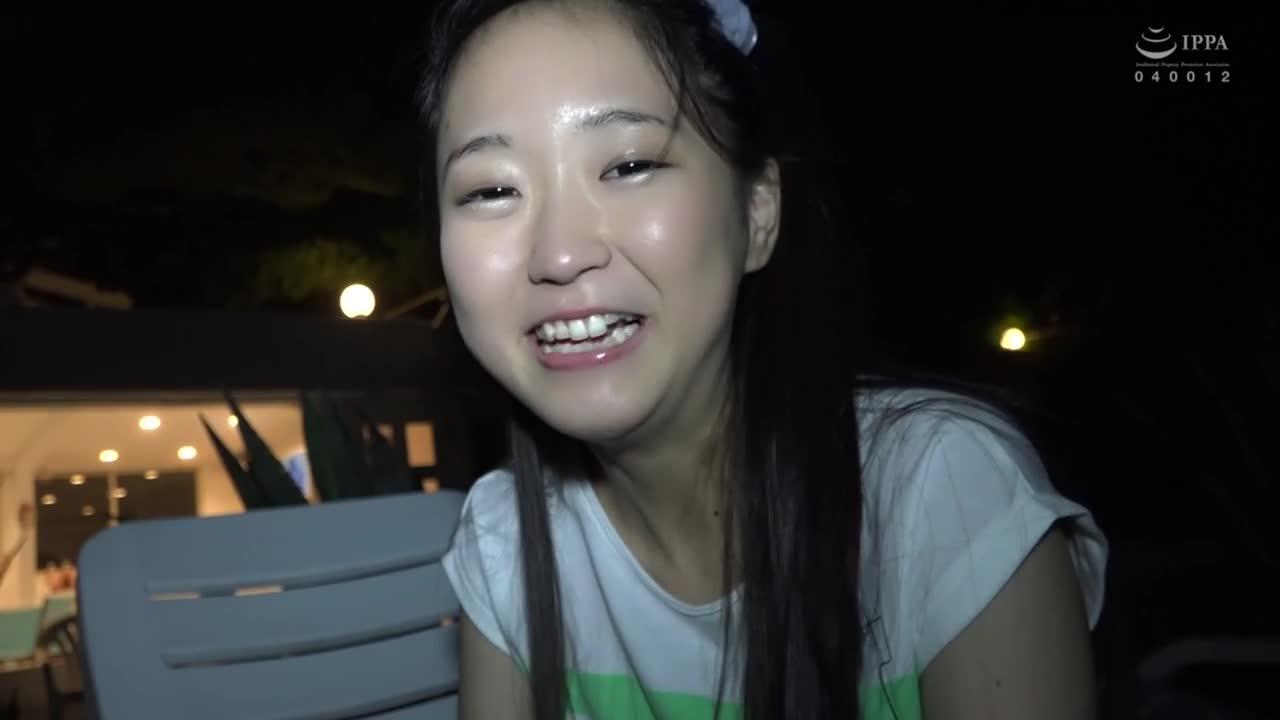 夏だ!海だ!サーフショップで働く超絶可愛い美少女がまさかのAV出演! 2