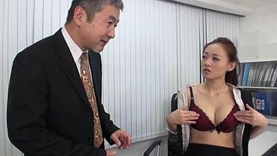 女性パンティメーカーに男性社員は僕一人!? 2