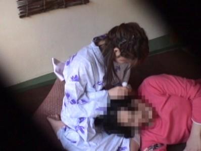 警察が押収した過激盗撮映像流出 いつでもどこでも場所を選ばず簡単に股を開くスケベな素人娘たち 4時間15人 8