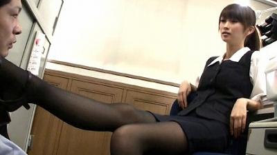M男目線★オフィスでOLに脚責めされたい!! 1