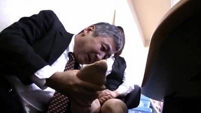 M男目線★オフィスでOLに脚責めされたい!! 11