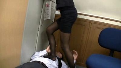 M男目線★オフィスでOLに脚責めされたい!! 7