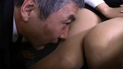 M男目線★オフィスでOLに脚責めされたい!! 9