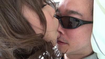 【リクエスト版】区民会館で働く奥さんの母乳と唾で顔がテカテカになりました 3