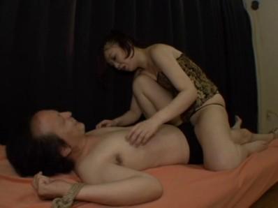 くすぐり拷問部屋 緊縛長身痴女 城野絵理香 10