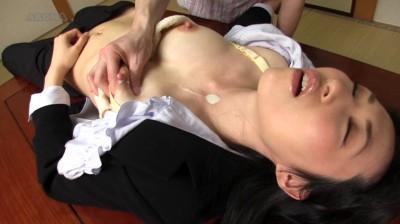 失神母乳 その4 〜無抵抗ミルク搾り 7