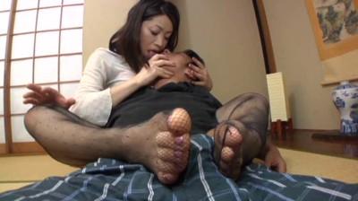 【人妻手コキ】淫語妻の濃厚な接吻、ねっとりしたフェラ、優しく激しい手コキ12名総集編