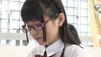 地味な女子校生による強制連射 12