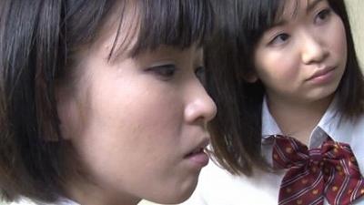 地味な女子校生による強制連射 3