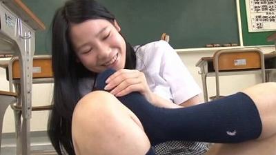 女子校生のハイソックス 3