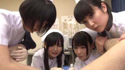 泌尿器科のナースのお仕事 〜こんなオチ●チンで彼女や奥さん満足してますか?〜 10