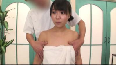 おっぱいのGスポット「スペンス乳腺」をマッサージで責められ白目を剥いてアヘ顔で狂いイク巨乳女たち...thumbnai10