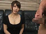 欲求不満の人妻に勃起チンポを見せるとどうなる!? 4...thumbnai2