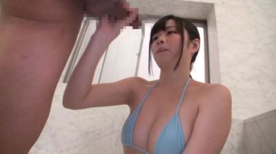 チ●コを洗うだけの仕事だったのに!?いつのまにか手コキしちゃった素人娘!! vol.1...thumbnai8