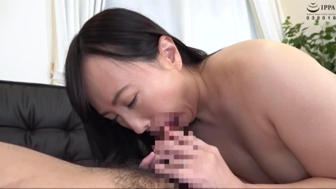 美熟女連れ込みナンパ 男ひでりの欲求不満奥様となし崩しセックスに成功!...thumbnai13