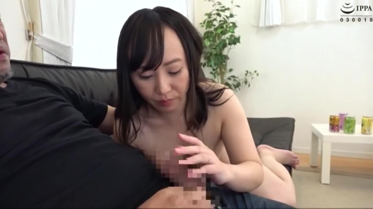 美熟女連れ込みナンパ 男ひでりの欲求不満奥様となし崩しセックスに成功!...thumbnai9