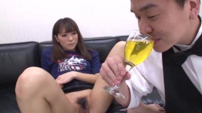 素人娘のみなさん!!アナタのオシッコ飲ませてください!! 240分38人...thumbnai8