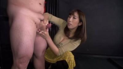 射精してもシゴき続ける素人娘の悶絶手コキ責め!...thumbnai2