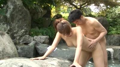 温泉宿を一人旅する人妻の飢えた下半身の実情 8名225分...thumbnai9