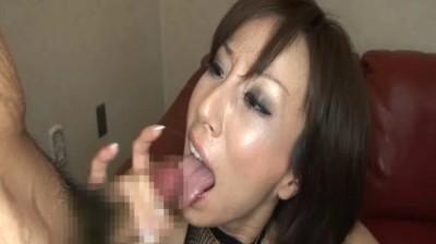 ザーメン飲み奥様 旦那の留守は精飲三昧...thumbnai8