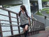 【現役女子校生】爆裂強襲スカートめくり!!1【女子校生編】(再生時間:70分、レーベル:ジャネス)