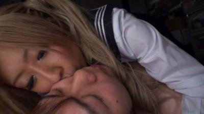 ギャルは顔舐めで愛を表現する...thumbnai1