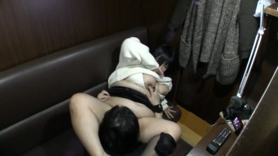 デブぽちゃ顔カワイイゆず1 メイドの鼻クソほじり編...thumbnai6