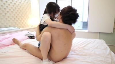彼氏の目の前で彼女が...thumbnai3