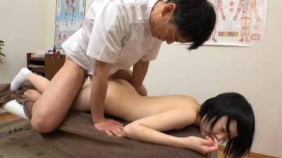 小さな女の子に「オイルマッサージ」6人 VOL.03...thumbnai14