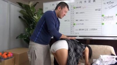 関西素人初撮り!学費を稼ぐため、AV!面接に来た関西弁の●校卒業したての超マジメっ娘を即SEX、そしてじゃまなマン毛を剃っちゃいました!! 鈴木そら(仮名)18歳...thumbnai4