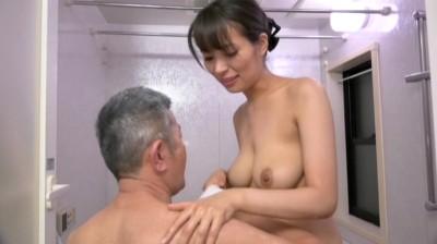 はだかの訪問介護士 真木今日子...thumbnai4