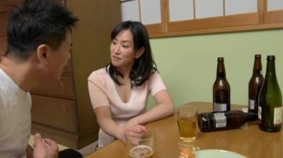 泥酔した熟女を美味しくいただいたのだが、その熟女さんは実は… 新堂有望...thumbnai6