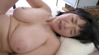 息子を誘惑する五十路母 上島美都子...thumbnai3