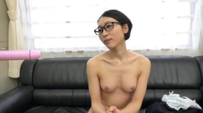 給食センターで働く地味で平凡な極細くびれのメガネ奥さん 沙原さん29歳...thumbnai2