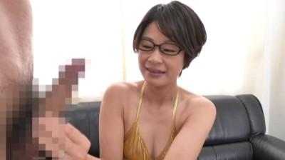 動物園で働く地味で平凡な引き締まりボディのメガネ主婦 高司さん29歳...thumbnai4