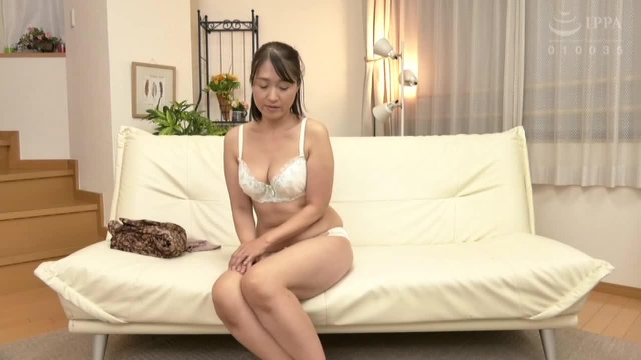 ヌード撮影だけのはずが・・・おとなしく地味な五十路どマゾ主婦 しおりさん52歳...thumbnai2