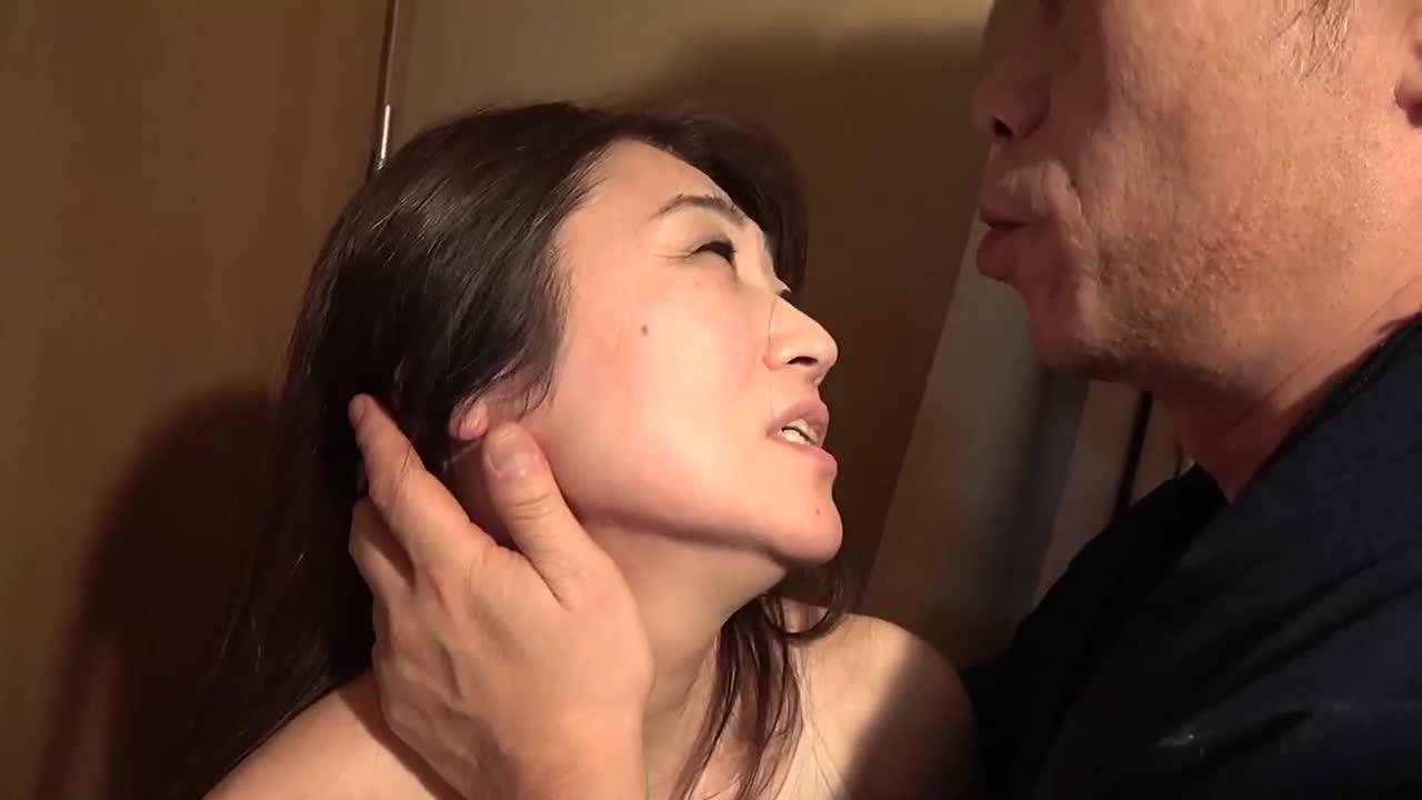 アテナ映像ドラマスペシャル 夫以外の男に抱かれ悶え乱れる昭和の熟妻6人4時間...thumbnai1