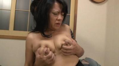 近親相姦 豊満な母さんに甘えたい 江島えみこ50歳...thumbnai12