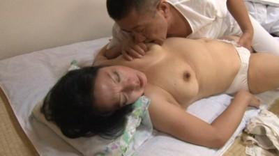 近親相姦 豊満な母さんに甘えたい 江島えみこ50歳...thumbnai3