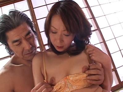 淫らな人妻 秋元夏希...thumbnai10