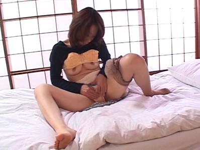 淫らな人妻 秋元夏希...thumbnai4