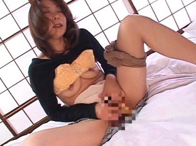 淫らな人妻 秋元夏希...thumbnai5