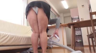 となりの豊満奥さん / 松岡瑠実 50歳...thumbnai1