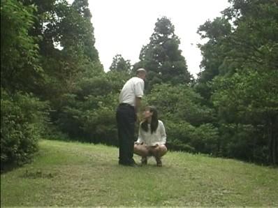 淫らな美人妻一泊二日野外調教旅行 夫に言えない性癖...thumbnai15