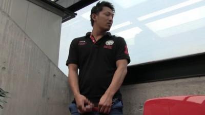 プレミアム第二弾・オラオラ系色黒兄貴の放尿〜野外オナニ...thumbnai8