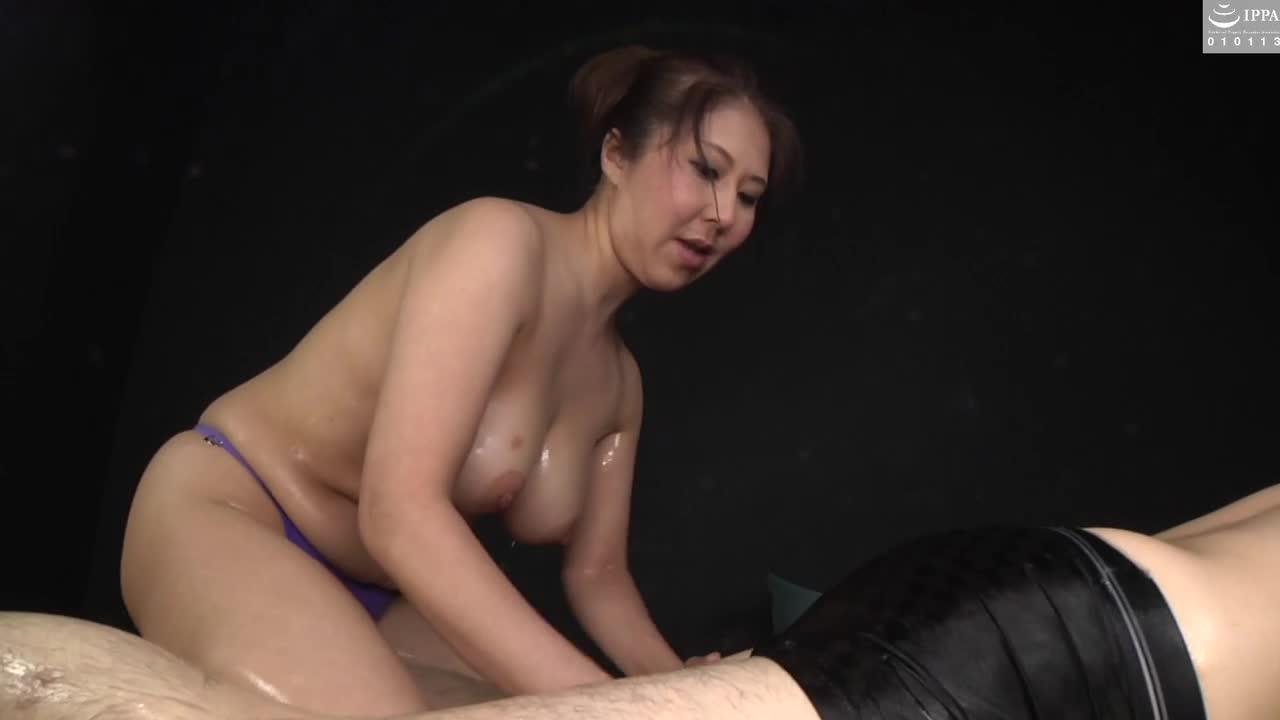 豊満ボディーの人妻と極上ローションプレイ...thumbnai2