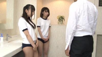 キン○マに興味を持ちはじめた女子校生の金蹴り練習...thumbnai2